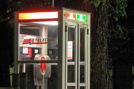 A Catania le cabine telefoniche intelligenti, Stancanelli: