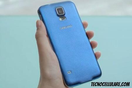 samsung-galaxy-s5-regalo-ecco-cosa-troviamo-insieme-al-telefono