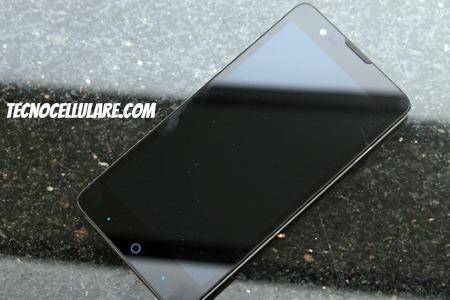 zte-redbull-youth-economico-cellulare-android-con-4g-lte-e-ottica-sony