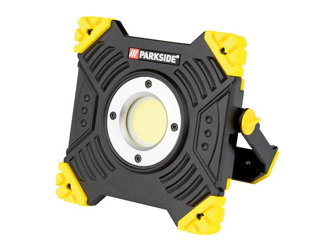 Faro LED ricaricabile da lavoro Parkside in offerta: da Lidl al prezzo di 29 euro!